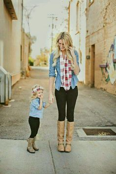 Mommy And Me Outfits, Cute Kids Outfits, Baby Girl Fall Outfits, Children Outfits, Outfits Niños, Stylish Mom Outfits, Scarf Outfits, Denim Outfits, Mother Daughter Pictures
