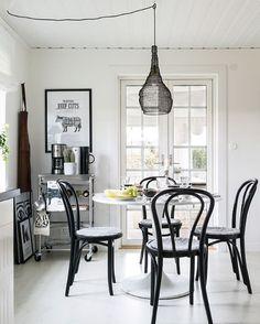 Ikea 'Docksta' dining table @mylovelyblombacka