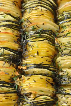 and Zucchini (Source: Recette Pomme de Terre) Potato Recipes, Vegetable Recipes, Vegetarian Recipes, Cooking Recipes, Healthy Recipes, Fabulous Foods, Food For Thought, Food Inspiration, Love Food