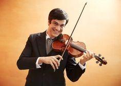 """Mateus Solano retoma aulas de violino e fará musical: """"Me relaxa"""" (Foto: Guto Costa) - http://epoca.globo.com/colunas-e-blogs/bruno-astuto/noticia/2014/08/bmateus-solanob-retoma-aulas-de-violino-e-fara-musical-me-relaxa.html"""