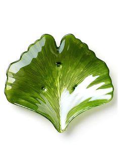 Vietri Ginko Large Green Leaf Platter