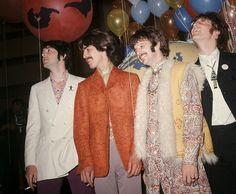 Donderdag 1 juni is het vijftig jaar geleden dat 'Sgt. Pepper's Lonely Hearts Club Band' verscheen. The Beatles maakten een van de invloedrijkste platen uit de popgeschiedenis. Vandaag verschijnt een nieuwe versie, opnieuw afgemixt, door de zoon van de oorspronkelijke Beatles-producer George Martin.