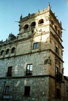Palacio de Monterrey (Salamanca).  Rodrigo Gil de Hontañón