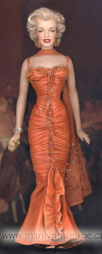 @PinFantasy - Marilyn Monroe Custom Dolls by Kim Goodwin ~~ For more:  - ✯ http://www.pinterest.com/PinFantasy/gente-~-marilyn-barbie-and-other-dolls/