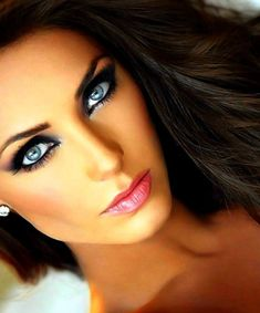 Gorgeous Makeup - Dark Smokey Eye - Pink Lips - Blue Eyes - Hair
