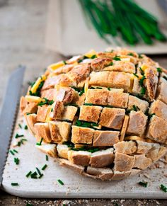 Fingerfood & Buffet Ideen für die Silvester-Party | Das Inspirations-Magazin #zupfbrot #party Snacks Für Party, Yams, Spanakopita, I Foods, Catering, Cake Recipes, Bakery, Food And Drink, Appetizers