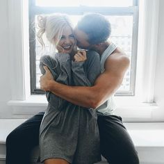 Smooth Legs with EOS - Barefoot Blonde by Amber Fillerup Clark Boudoir Couple, Couple Posing, Couple Shoot, Couple In Love, Photo Couple, Couple Goals, Perfect Couple, Cute Relationships, Relationship Goals