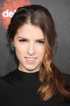 Get Anna Kendrick's loose, side ponytail. Use #Oribe Dry to add texture, giving it that sexy, undone look. @Lisa Harper's Bazaar #beautysecret