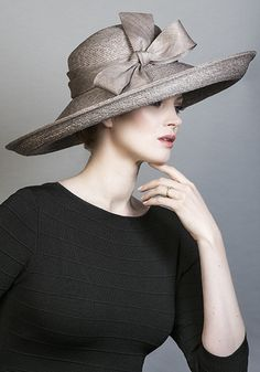 Rachel Trevor Morgan Millinery SS 2016 | R1696 - Grey Italian braid straw hat with straw bow