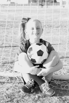 Youth Individual Soccer Poses for Photography Soccer Poses, Soccer Pictures, Cool Poses, Soccer Ball, Photography Poses, Youth, Photoshoot, Sports, Kids