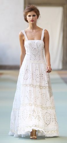 white maxi dress fashion
