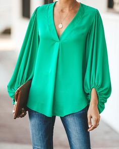 Love this top as long as it wasn't polyester. I'd love a Kelly green top Duchess Balloon Sleeve Blouse - Emerald Look Fashion, Hijab Fashion, Fashion Outfits, Winter Fashion, Fashion Tips, Latest African Fashion Dresses, Korean Fashion, Sleeves Designs For Dresses, Chic Outfits