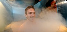 George North takes part in a team cryotherapy session