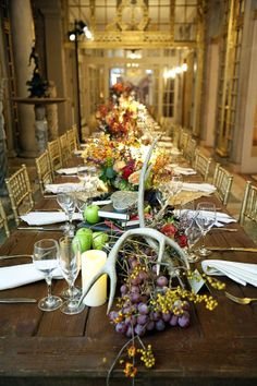 Would love to have a table this big for the holidays & a dining room large enough to put it in