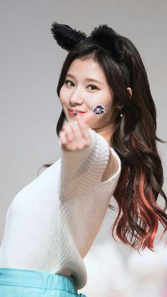 Sana loves you! J Pop, Nayeon, Extended Play, Kpop Girl Groups, Kpop Girls, Sana Kpop, Sana Cute, Sana Momo, Sana Minatozaki
