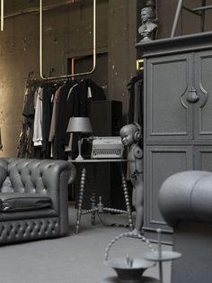 AsGoodAsNew Pop-up shop by i29, Amsterdam » Retail Design Blog