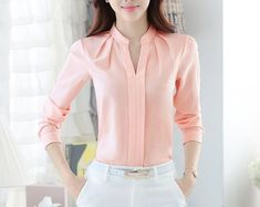 Spring Autumn Women Tops Long Sleeve Casual Chiffon Blouse Female V-Neck Work We. Spring Autumn Women Tops Long Sleeve Casual Chiffon Blouse Female V-Neck Work Wear Solid Color White Office Shirts F Cheap Womens Tops, The Office Shirts, Office Wear, Outfit Office, Casual Office, Office Uniform, Outfit Work, Outfit Ideas, Smart Office