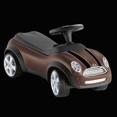 Baby Racer, chocolate: Mit TÜV: Rutschauto im Original MINI Design für Kinder von 1,5–3 Jahren. In Chili Red/Black oder Hot Chocolate/Black erhältlich. Mit individuell beschreibbaren Nummernschildern, 45 cm x 32,5 cm x 73 cm (HxBxL)