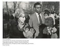 Le photographe Garry Winogrand mis à l'honneur au Jeu de Paume et dans une quinzaine de stations de métro et de gares.