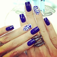 portuguese tiles are the trend, even for nails