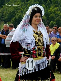 Folk Costume, Costumes, Folk Clothing, Fashion Sewing, Traditional Dresses, Supermodels, Beautiful People, Culture, World