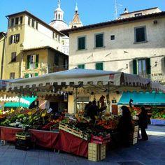 Pistoia- Piazza della Sala