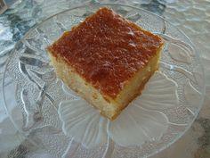 ΥΛΙΚΑ 5 αυγά 1 κούπα ζάχαρη 2 μικρά γιαουρτάκια 1 και 1/2 κούπας σιμιγδάλι χοντρό 2 κούπες αλεύρι 1 μπέικιν πάουντερ 1 κουταλάκι... Tiramisu, French Toast, Cheesecake, Ice Cream, Chocolate, Breakfast, Ethnic Recipes, Desserts, Juice