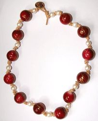 Free Beading Project: Knotted Freshwater Pearl and Lucite Bead Necklace - Beading Instructions - Beading Daily