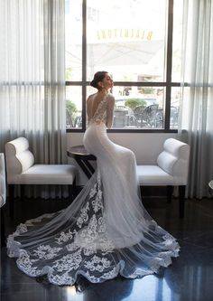 Valeriia Karaman para Irit Shtein Wedding Collection 2015 por Alexander Lipkin