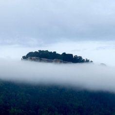 Wie in Watte gebauscht liegt sie da... die Festung Königstein  #sächsischeschweiz #festungkonigstein #weekendtrip River, Instagram Posts, Outdoor, Outdoors, Outdoor Games, The Great Outdoors, Rivers