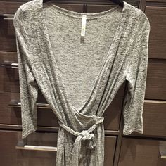 Grey Wrap Dress Thin and light grey wrap dress. Size: S Dresses Midi