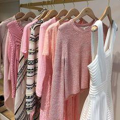 Sweet chic + cozy knits @majeofficiel #springlayers  #pinkeverything #sweaterweather #ootd #pink #southcoastplaza #maje @pixxyapp