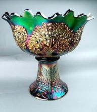 Fenton Orange Tree punch bowl and stand, green carnival, outstanding iridescence! Fenton Glassware, Antique Glassware, Fenton Lamps, Punch Bowl Set, Vintage Bowls, Vintage Pyrex, Antique Dishes, Vaseline Glass, Vintage Carnival