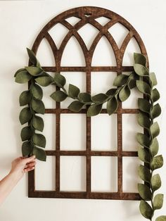 Beautiful magnolia leaf garlands made of premium acrylic felt! 6ft long with 3 choices of colors! 1) Summer (light green) 2) Fall (multi color) 3) Winter (dark green w/white berries) Use several on your fireplace or down your railings for the holidays!