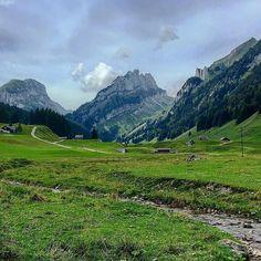 One of my favorite places to do long hikes everywhere new routes new destinations... #appenzell #sennwald #swiss #switzerland #schweiz #suisse #svizzera  M Y  H A S H T A G :: #pdeleonardis C O P Y R I G H T :: @pdeleonardis C A M E R A :: iPhone6  #inlovewithswitzerland #switzerlandpictures #feelthealps #ig_switzerland #hiking4fun #visitswitzerland #ig_europe #wu_switzerland #igerswiss #swiss_lifestyle #aboutswiss #sbbcffffs #ig_swiss #bealpine #amazingswitzerland #loves_switzerland…