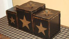 primitive americana rustic western decor wood canister set black stars kitchen Primitive Canisters, Primitive Kitchen, Rustic Kitchen, Western Kitchen, Primitive Decor, Country Kitchen, Western Style, Rustic Western Decor, Country Decor