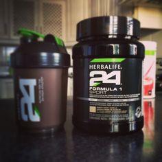 Comenzando el día con una nutrición sencillamente, perfecta! #Herbalife #Herbalife24 Up Fitness, Formula 1, Herbalife24, Herbalism, Club, Sport, Education, Wallpaper, Building