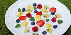 Vaniljechiagrøt med frukt og bær – Berit Nordstrand