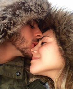 Image in Amour Love Couple Friends familly collection by Ymane Image Couple, Photo Couple, Love Couple, Cute Couples Goals, Couples In Love, Romantic Couples, Romantic Gifts, Relationship Goals Pictures, Cute Relationships