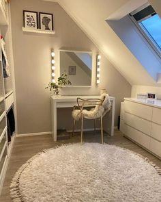 Room Design Bedroom, Room Ideas Bedroom, Home Room Design, Bedroom Decor, Home Decor Shops, Aesthetic Rooms, My New Room, Interior Design Living Room, Room Inspiration