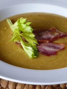Kouzlo mého domova: Krémová polévka z červené čočky Salsa, Soup, Dinner, Ethnic Recipes, Dining, Food Dinners, Soups, Salsa Music, Chowder