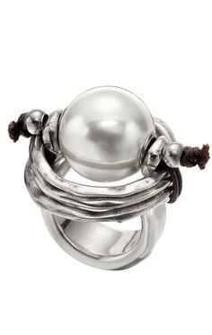 Anillo Uno de 50 de perlas ANI0390BPLMTL0M