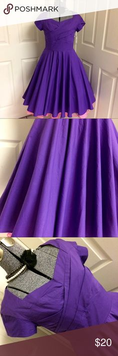 RETRO purple swing dress 🍇 Pretty PURPLE, casual, 100% cotton, adorable & flirty swing dress! FULL CIRCLE SKIRT! 💜 Shown on model with a 2-layer crinoline (not included). MEDIUM -measurements: bust 33 inches, waist 29 inches, total length of dress 38 inches. Perfect dress for pin-up & rockabilly ladies! Great summer dress for picnics, parties and date night! 💜 Maggie Tang Dresses Midi