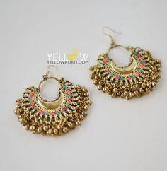 Cute n little earrings 😘 Indian Jewelry Earrings, Indian Jewelry Sets, Jewelry Design Earrings, Indian Wedding Jewelry, Fashion Earrings, Jewelry Accessories, Silver Jewelry, Gold Jewellery, 925 Silver