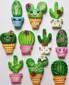 Porcelana cactus iman – Hobbies paining body for kids and adult Polymer Clay Magnet, Clay Magnets, Polymer Clay Kunst, Polymer Clay Dolls, Polymer Clay Projects, Polymer Clay Charms, Polymer Clay Creations, Diy Clay, Polymer Clay Jewelry