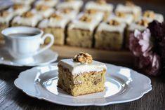 Langpannekake med lønnesirup og valnøtter - Oppskrift - Godt.no Norwegian Food, Sweet Tooth, Cheesecake, Deserts, Food And Drink, Pie, Baking, Food, Torte