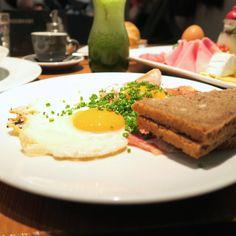 Frühstück im Ulrich - giveherglitter Sandwiches, Eat, Breakfast, Food, Stand Up, Treats, Food Dinners, Kuchen, Food Food