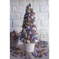 Чудесная ёлочка Cone Christmas Trees, Christmas Minis, Xmas Tree, Christmas Tree Decorations, Christmas Time, Christmas Wreaths, Christmas Crafts, Christmas Ornaments, Garland Hanger