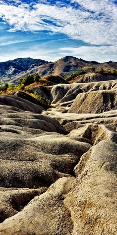 The Mud Volcanoes. Lunar view near Buzau, Romania Discover Amazing Romania through 44 Spectacular Photos Places Around The World, Travel Around The World, Wonderful Places, Beautiful Places, Visit Romania, Romania Travel, Voyage Europe, Solo Travel, Wonders Of The World