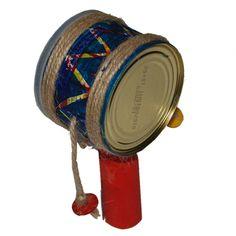 Tambourin africain: instrument à percussion- boite métallique, carton, ficelle - Tête à modeler